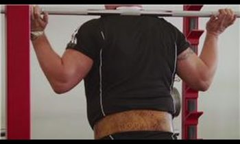 Core Exercises : How Do I Strengthen the Lower Back by Lifting Weights?